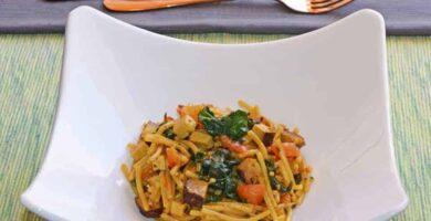 receta de fideos con espinacas y tofu ahumado