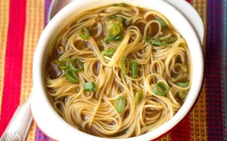 sopa de fideos chinos facil y rapida