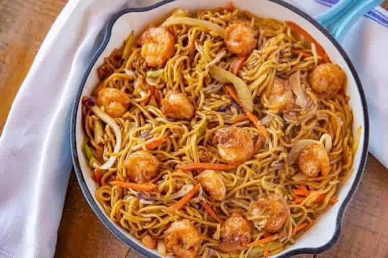 fideos chinos con gambas - Chow mein de camarones