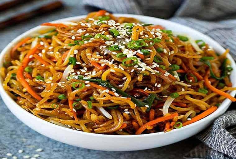 como preparar fideos fritos chinos