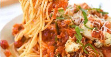 receta fideos con pollo y salsa tomate