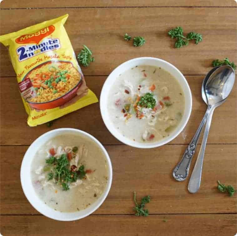 Sopa de pollo con fideos maggi