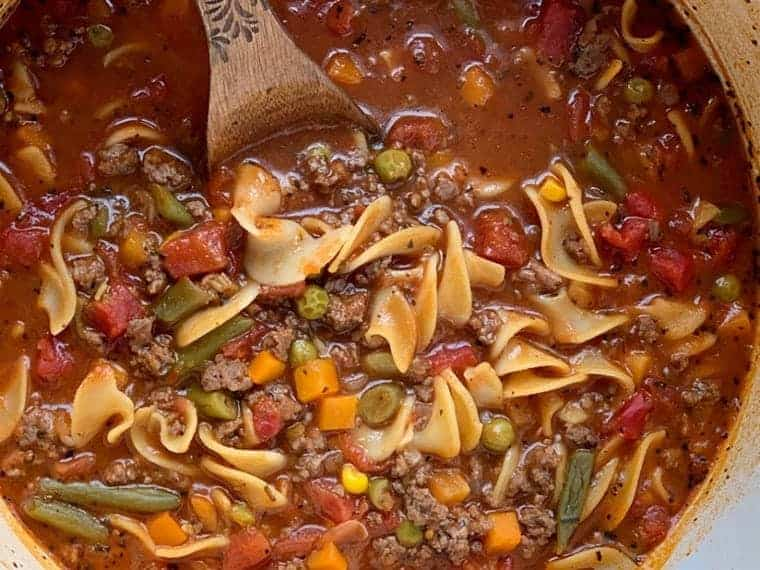 sopa de fideos con carne