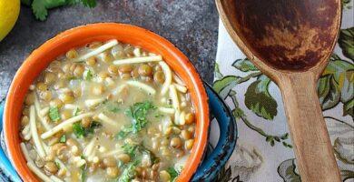receta de sopa de lenteja con fideos